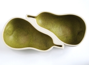 Galleri Oz. 2010. Platter for 2 pears, 20 x 10 cm. Photo Siri Brekke