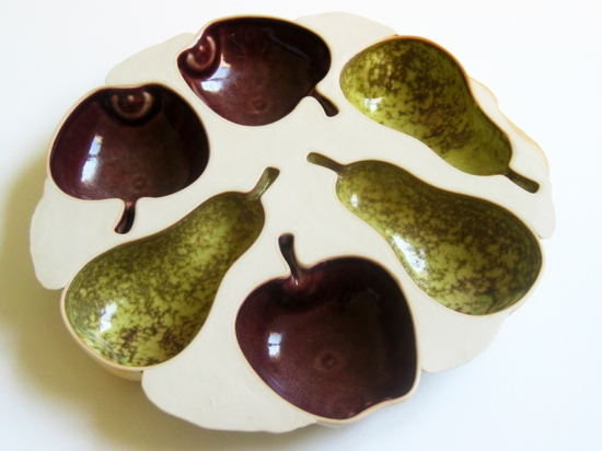 Platter for 3 apples and 3 pears, dia 25 cm. Photo, Siri Brekke