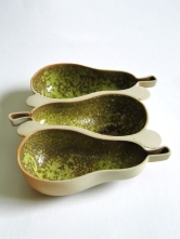 Galleri Oz. 2010. Platter for 3 pears, 25x 15 cm. Photo Siri Brekke